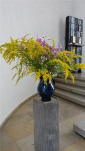 Der letzte Blumenstrauß mit Blumen aus dem Pfarrgarten